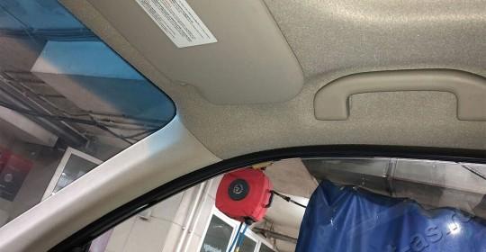 Химчистка потолка автомобиля после